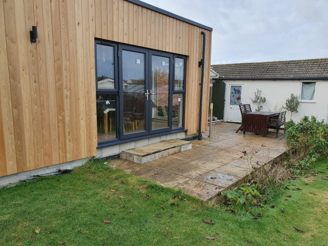 30 Co2 Larch ® Shadow Gap House