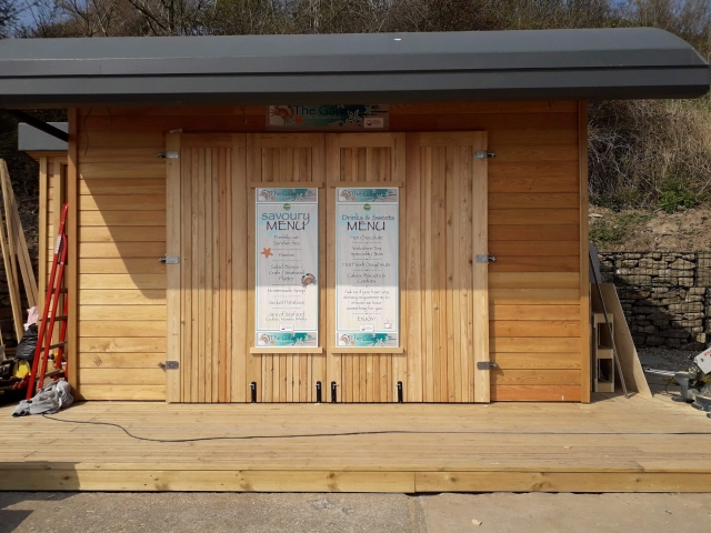 21 Co2 Larch ® Shadow Gap Hut Clad in timber